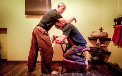 CHAIR THAI MASSAGE – Trattamento su sedia